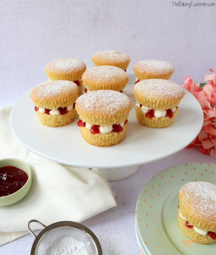 Victoria Sponge Cupcakes The Baking Explorer