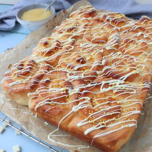 Lemon Curd & White Chocolate Bread Rolls