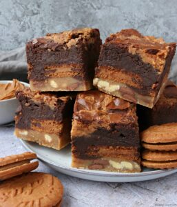 Biscoff Slutty Brownies