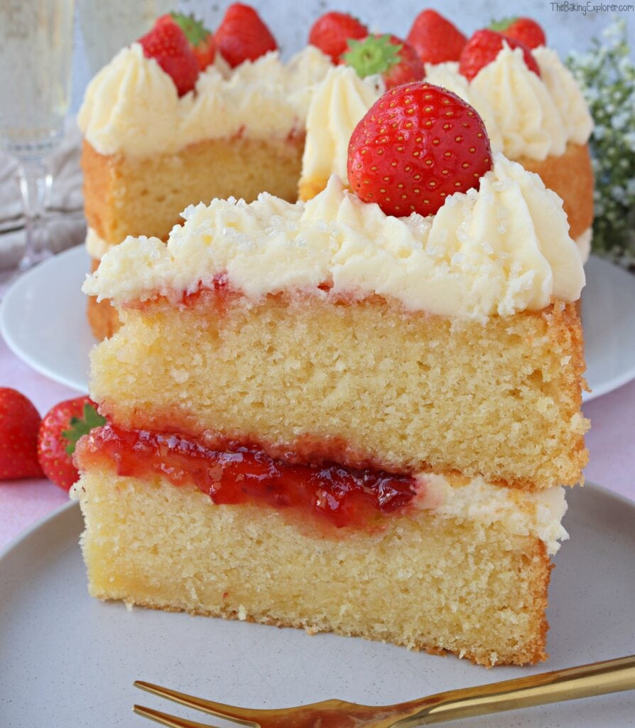 Prosecco & Strawberry Cake