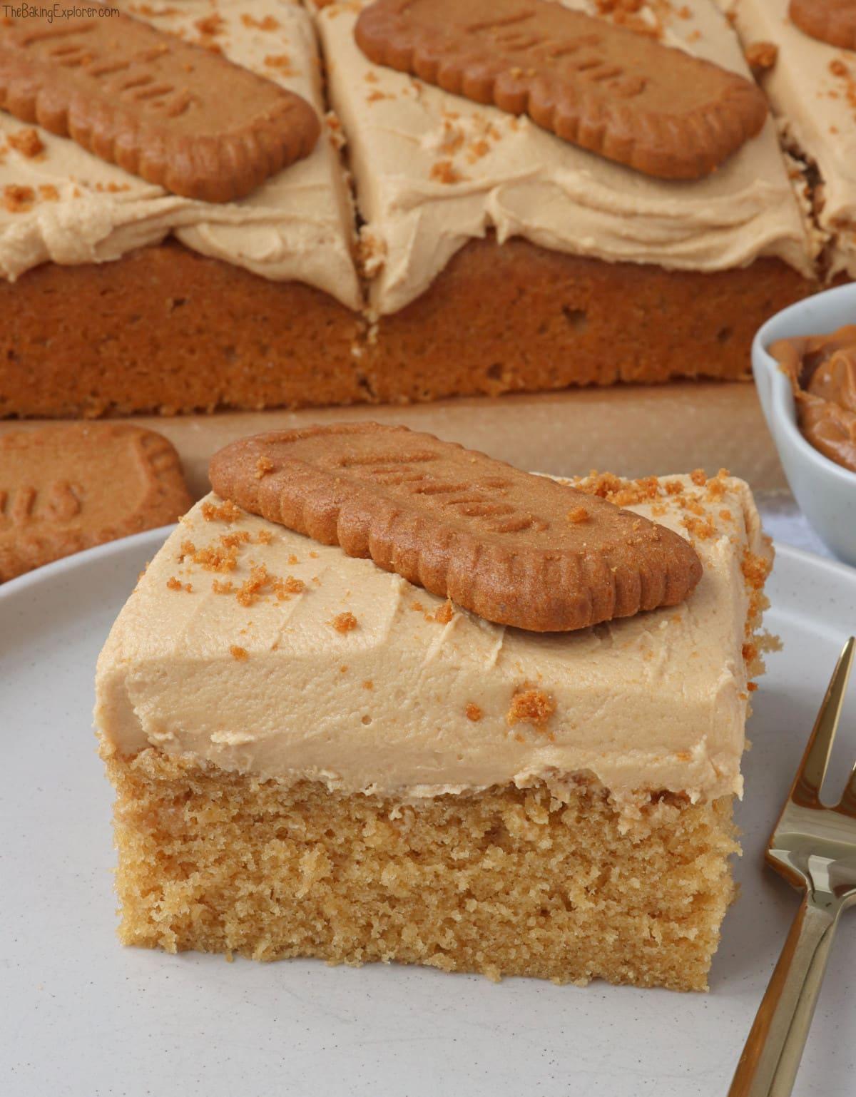 Biscoff Cake Traybake